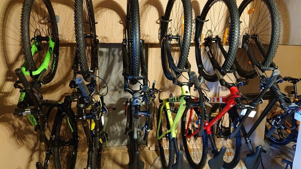 kerékpárüzlet és szervíz