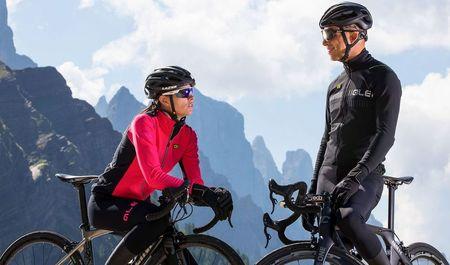 Kerékpározz megfeleő ruházatban