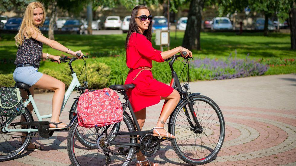 Női kerékpár táskák, kosarak